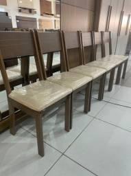 Cadeira em MDF - Poucas Peças
