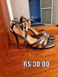 Calçado-Sandália-Salto