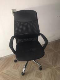 Cadeira de Escritório com Regulagem de Altura