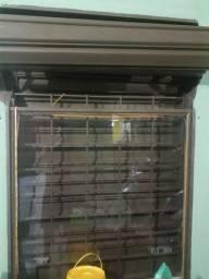Vendo porta de 1.500 por 2.700 E vitrine de 1.000 por 1.500