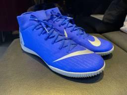 Chuteira Nike - tamanho 36/37