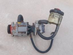 Bomba de direção hidraulica e bomba de vacuo F1000 F2000 F4000 motor Ford
