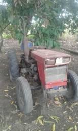 Vendo esse trator somente ele sem emolumentos agrícola