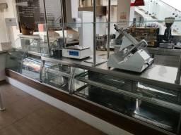 Alugo imóvel com instalações de Restaurante / Padaria
