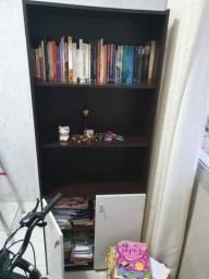 Armário e mesa de estudos