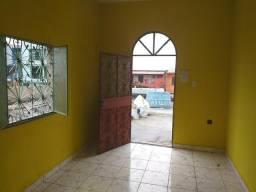 Aluguel de casa 800 reais incluso água e luz. *