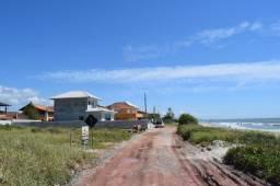 Terreno frente para o mar na Barra do Sai com 360m²