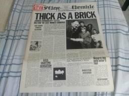 Lp Jethro Tull Thick As A Brick 2nd Press UK 1972 com 12 páginas de jornal comprar usado  São Vicente