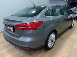 Focus sedan titanium automático 2016 c/34.000km. léo careta veículos - 2016