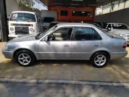 Toyota Corolla - 2001 / 2001 1.8 XLI 16v Gasolina 4P Automático - 2001
