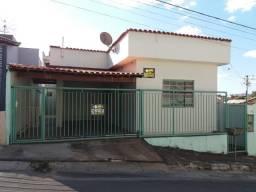 Casa Perdões - 7 quartos 2 garagens- Serra dos Montes