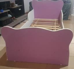 Cama usada com colchão