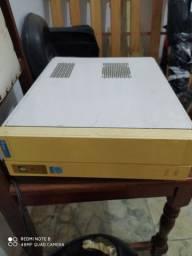 CPU horizontal com placa mãe