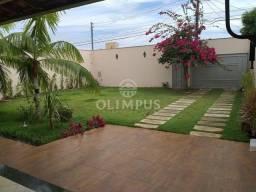 Excelente casa com 280m² de área privativa e 520m² de terreno, 4 quartos - Uberlândia/MG