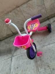 Vendo triciclo de menina