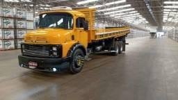 Caminhão MB 1516