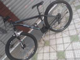 """Bicicleta """"aro 29"""" da marca GTA / modelo NX11"""