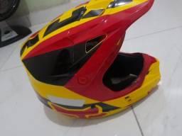 Vendo capacete Fox super novo