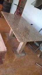 Mesa toda de mármore de 6 cadeiras