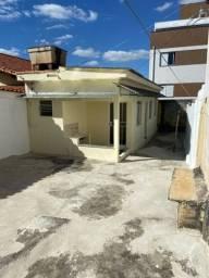 Aluguel Casa 1 Quarto no Barreiro - COM GARAGEM