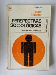 """Livro """"Perspectivas sociológicas: uma visão humanística"""" Peter Berger"""