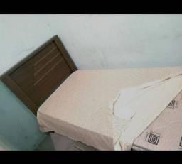 Cama solteiro + colchão 250,00