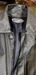 Jaqueta de couro.