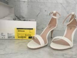 Sandália Gisele Medium White - TAM 35 - Schutz