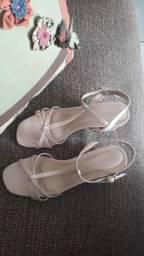Sandalia de salto tamanho 36