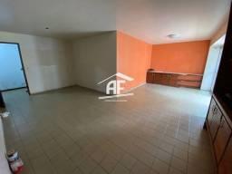Apartamento Localizado 50 metros da orla de Ponta Verde, 3 suítes, 140m²