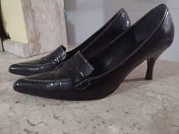 Sapato pontilhado