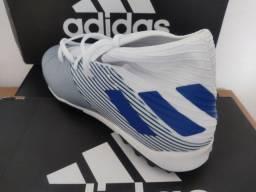 Chuteira society Adidas nova e original