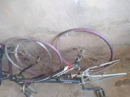 Bicicleta e peças ( pra sair rápido!!)