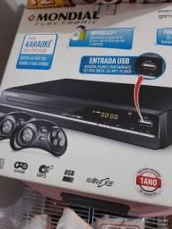 Dvd com controles de vídeo game
