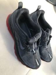 Nike tamanho 44 está novo ! Sem marcas de uso aceito troca por um outro 41