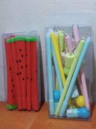 marcadores fofos e canetas