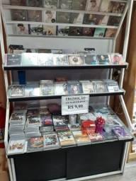 Armário estante expositor de CDs
