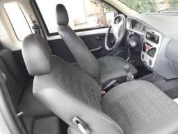 Strada carro R$ 15000 - 2006