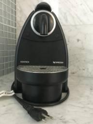 Cafeteira Essenza C92 220V (Usada) - Nespresso