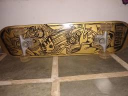 Skate grafitado