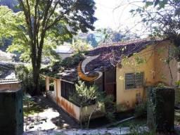 Casa com 3 dormitórios à venda por R$ 650.000 - Quitandinha - Petrópolis/RJ