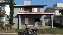 Casa Condomínio Villa do Sol, 03 dorm. sendo 01 suíte, 02 vagas de garagem