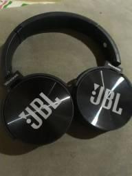 vende fone JBL novinho dois dias de uso  100 eu entrego 80 vem buscar na minha casa