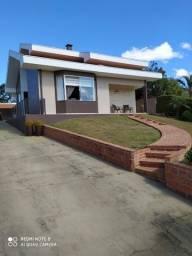 Residencia semi-nova em Campo Alegre
