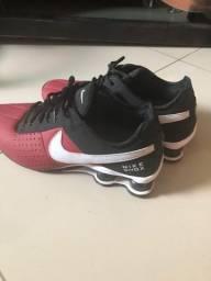Tênis nike shox preto/vermelho/branco