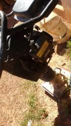 Compactador de solo a gasolina