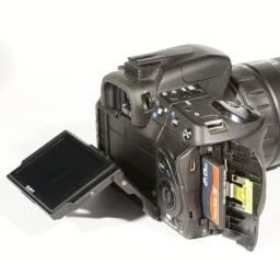 Camera Sony Alpha A300 Completa com zoom, cartão de memória, etc.