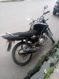 Vendo moto 2016
