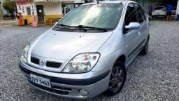 Scenic Renault completa