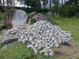 vende-se Pedras paralelas um real